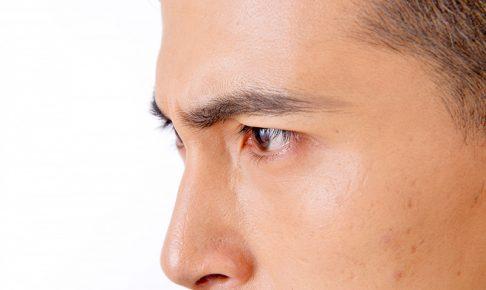 男性もクレンジングを使った洗顔をお勧めします。